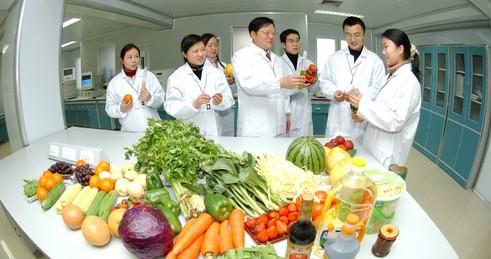 食物安定快速检测实验室走进超市 守卫食物安定