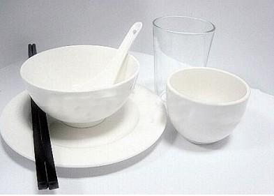 用酒消毒碗筷